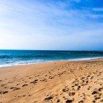 Le spiagge lunghe e colorate dell'Algarve