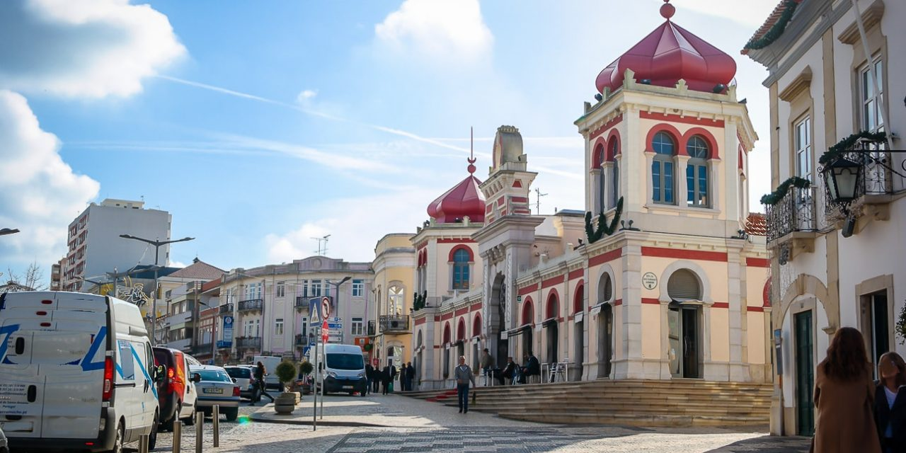 Mercato di Loulé da visitare in una vacanza in Algarve Portogallo