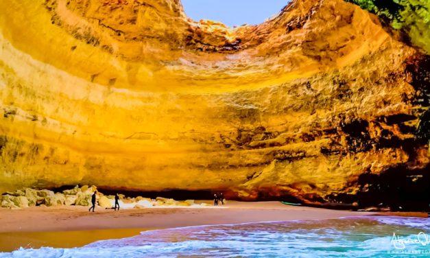 Grotta di Benagil e Praia da Marinha tour della costa in barca Algarve Portogallo