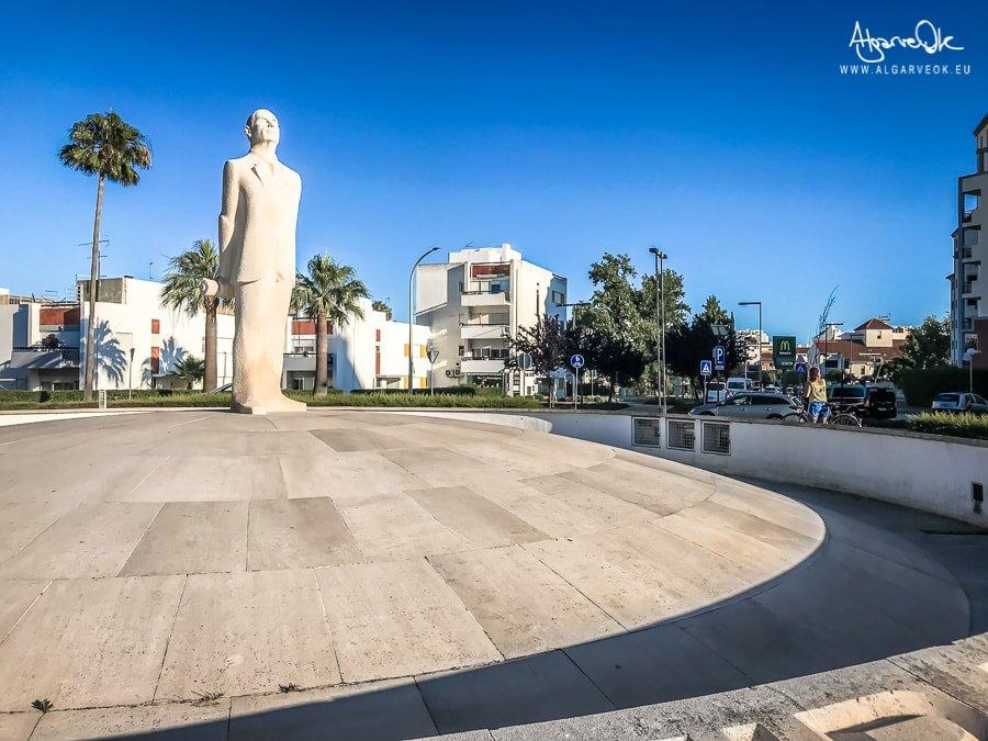 Vilamoura Portogallo Algarve statua Artur Cupertino de Miranda